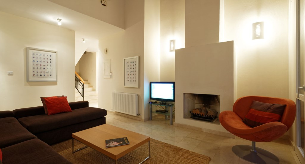 Villa 247 - Living area with free wifi and UK TV with unlimited movies. Aphrodite Hills Resort, Cypr