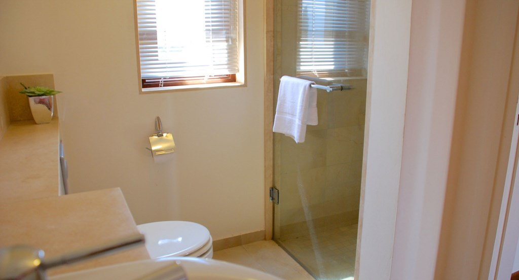 Villa 252 - Top floor double en suite with shower. Villa 252 - Separate living area. Aphrodite Hills