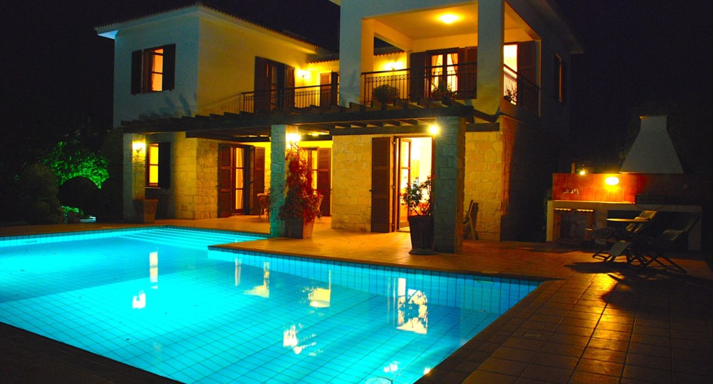Villa 64 - Gorgeous gardens  providing great privacy. Aphrodite Hills Resort, Cyprus.