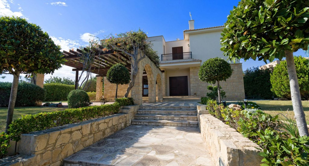 Villa 64 - Large villa in great location and fab outside space. Aphrodite Hills Resort, Cyprus.
