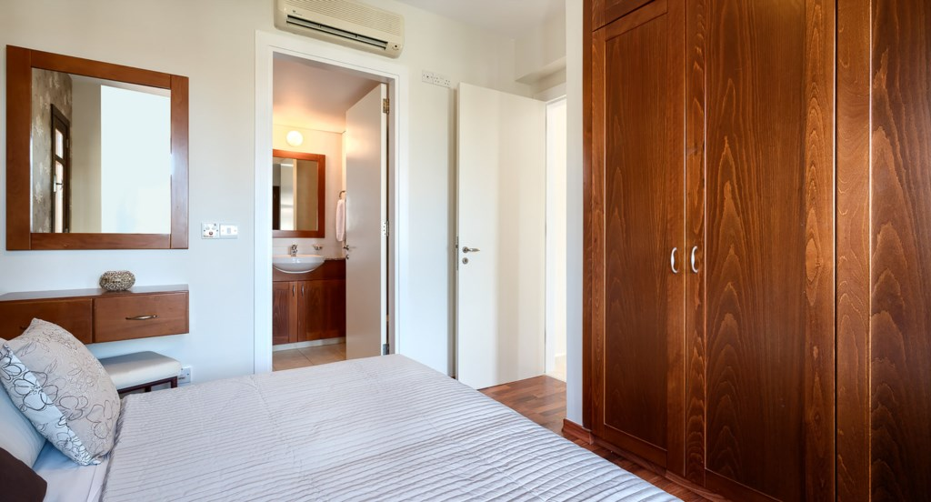 Apartment Assia - Beautiful Master Double Room with en suite Bathroom. Aprodite Hills Resort, Cyprus