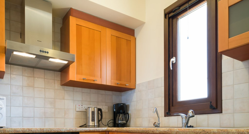 Apartment E11 - Well equipped kitchen with dishwasher. Aphrodite Hills Resort, Cyprus.