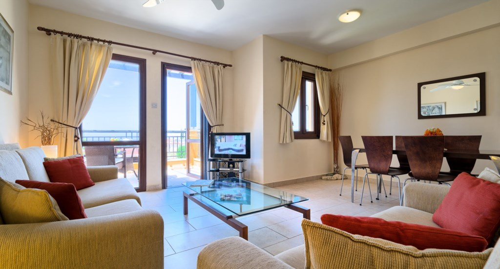 Apartment E11 - Lovely living and dining area and balcony with sea views. Aphrodite Hills Resort, Cy
