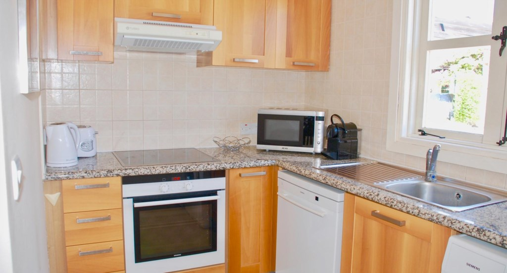 Apartment E2 - Fully-fitted kitchen - Aphrodite Hills, Cyprus