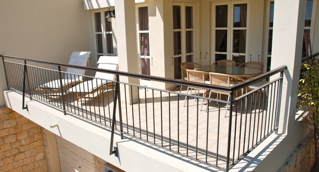 Rear sun terrace with retractable shades - G3 Adonis Village - Aphrodite Hills apartment