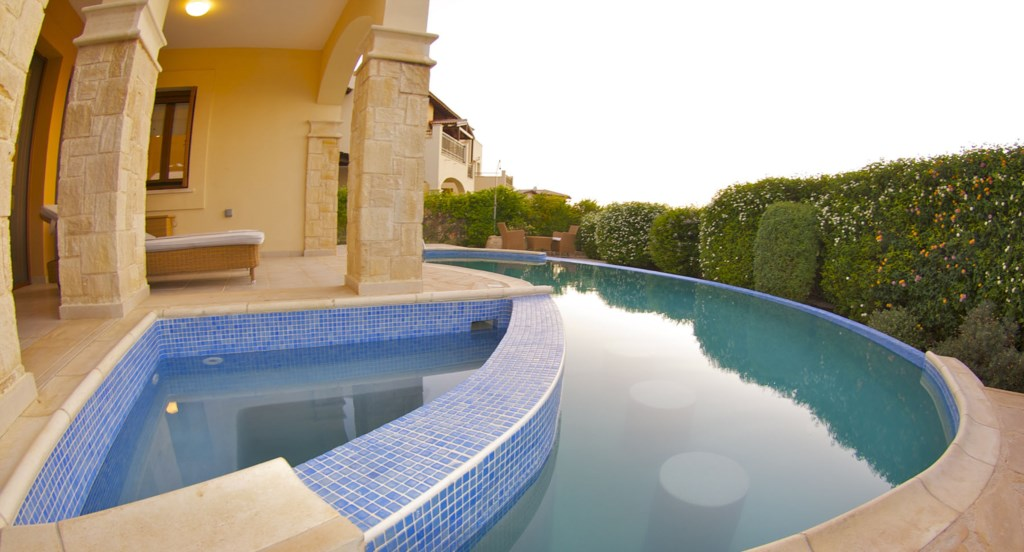 Apartment Hemera - Spacious apartment with private terrace and kidney pool. Aphrodite Hills Resort,