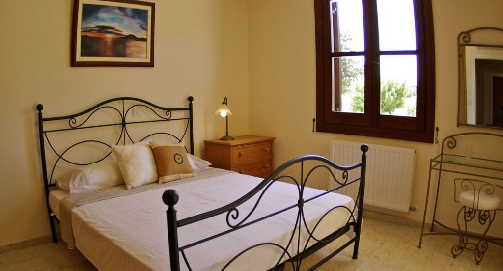 Villa 30 Lysos Tasteful and unique bedrooms bedrooms (7).jpg