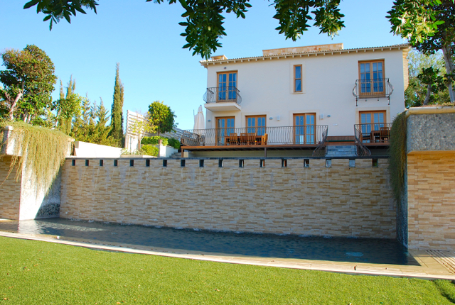 Villa 305 - Stunning, opulent villa with overflowing pool and great outdoor space. Aphrodite Hills R