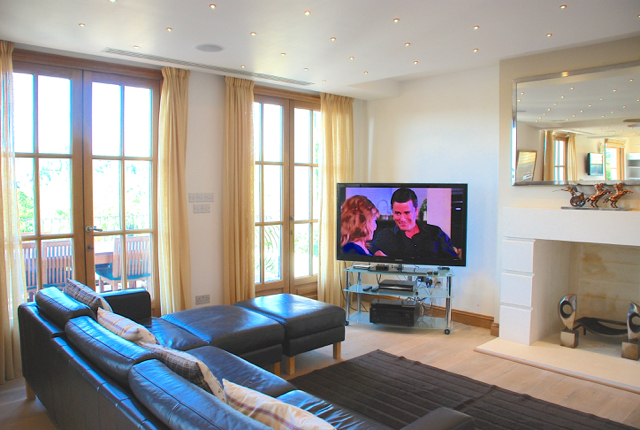 Villa 305 - Complete with UK TV package and unlimited movies. Aphrodite Hills Resort, Cyprus.