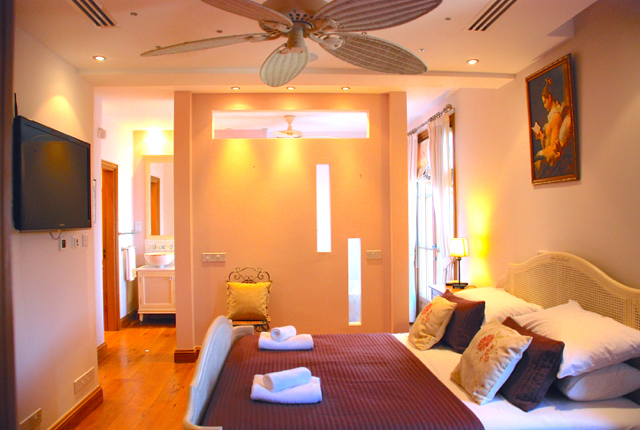 Villa 305 - Master bedroom, the height of luxury. Aphrodite Hills Resort, Cyprus.