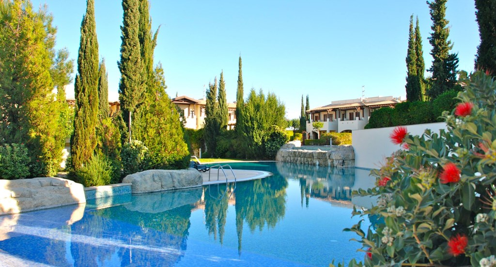 Apartment Helena - Just a stone's throw from the communal pools. Aphrodite Hills Resort, Cyprus.