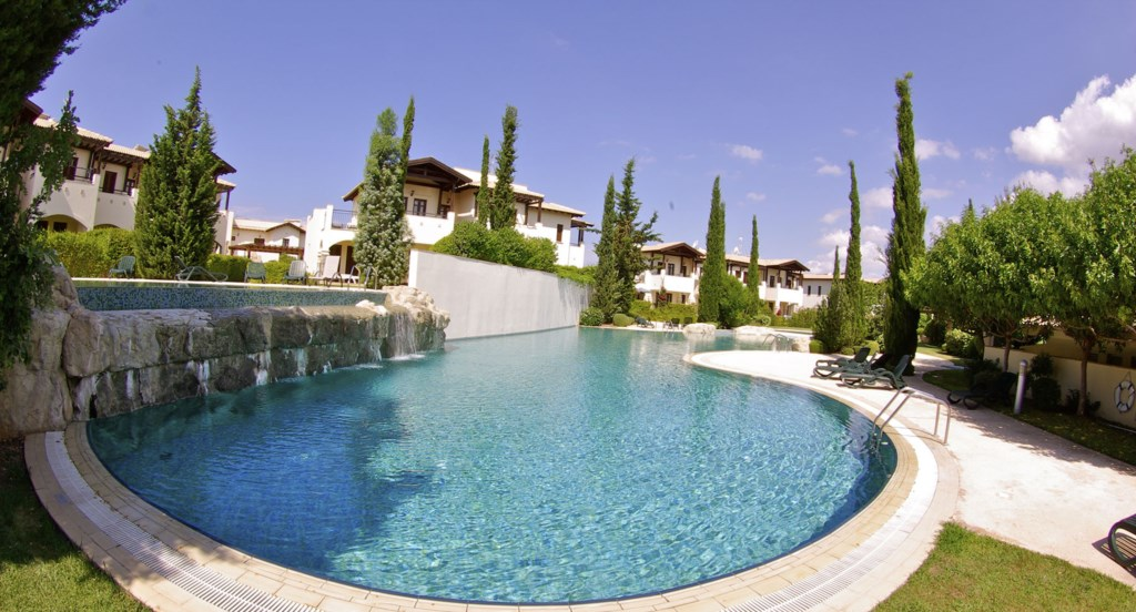 Pool View Golf Aphrodite Hills Cyprus Luxury Holiday Apartment Rental Villas