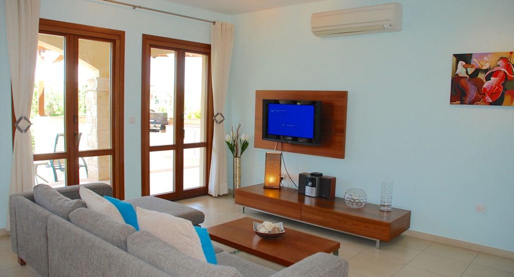 Luxury Apartment Aphrodite Hills Cyprus Pool View
