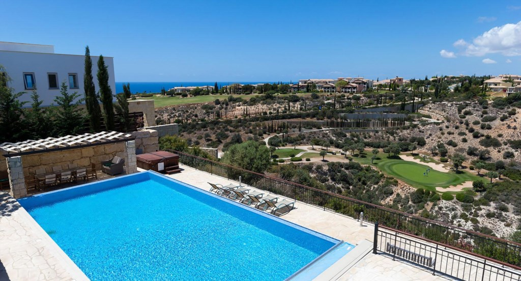 Villa Anthos - the ideal holiday villa for groups and families