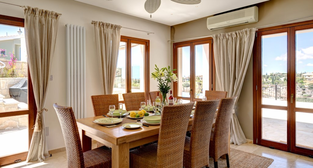 Villa Anthos - Dine in style