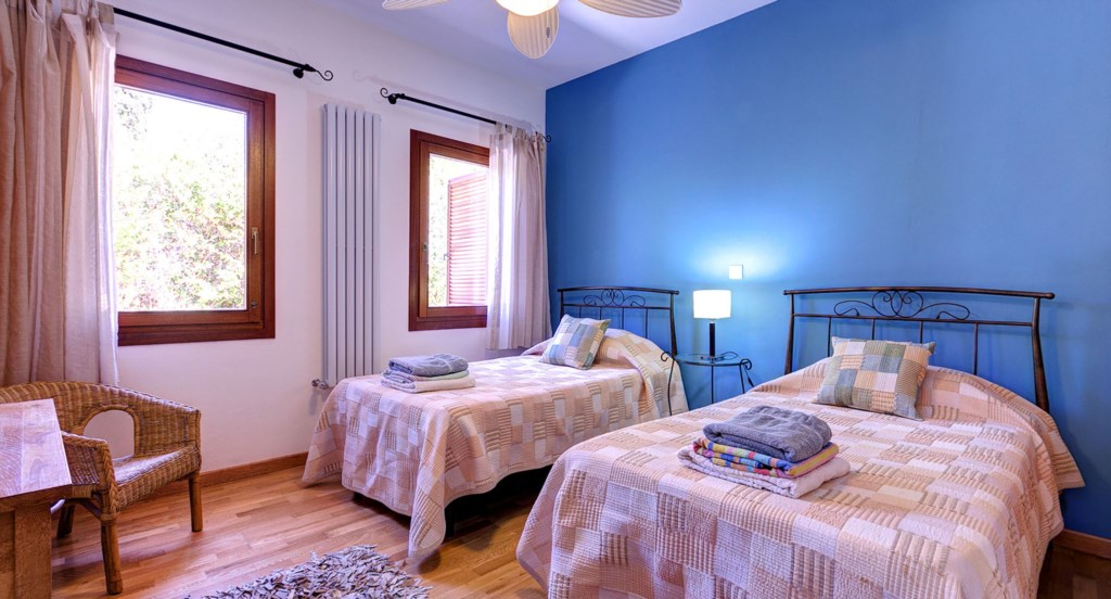 Villa Anthos - delightful twin room
