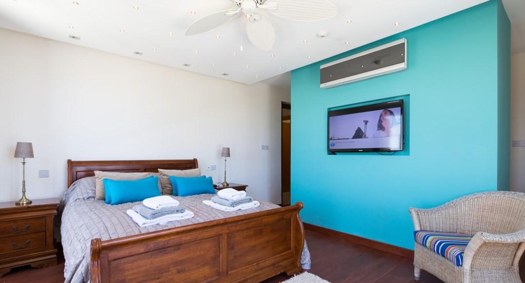 Villa Anthos - delightful bedroom