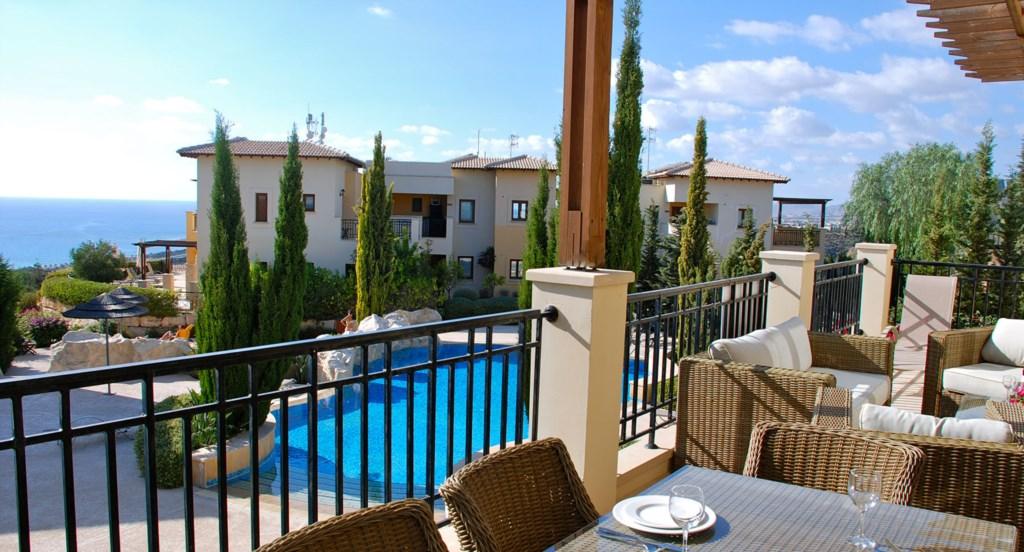 Luxury Holiday Apartment Rental Villas Aphrodite Hills Cyprus Pool View Golf (32).jpg