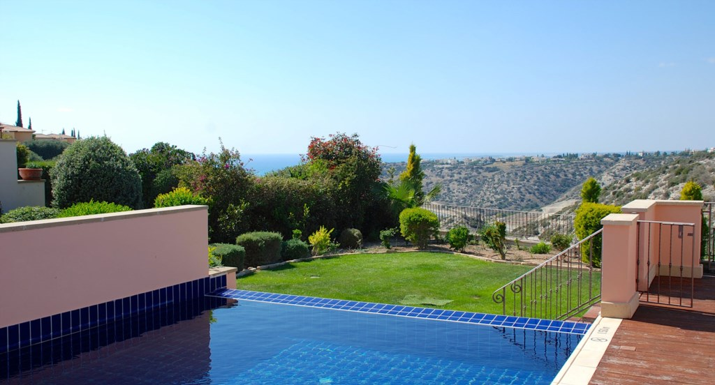 Luxury Villa Rental Villas Aphrodite Hills Cyprus Pool View Golf (10).jpg