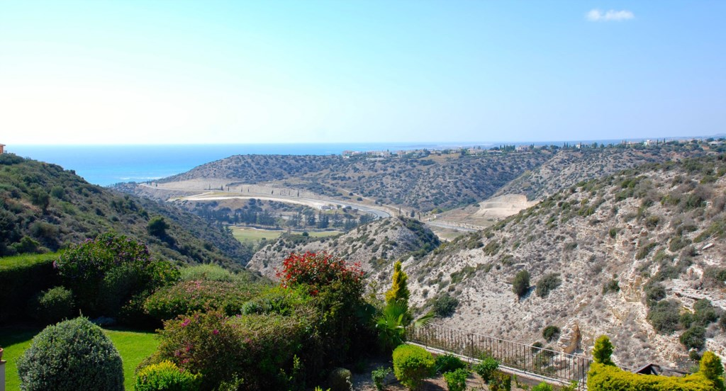 Luxury Villa Rental Villas Aphrodite Hills Cyprus Pool View Golf (41).jpg