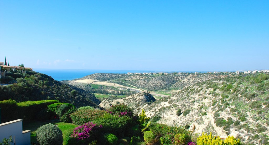 Luxury Villa Rental Villas Aphrodite Hills Cyprus Pool View Golf (44).jpg