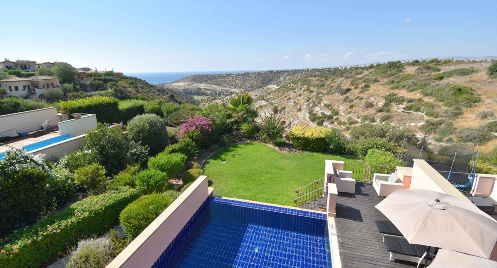 Luxury three bedroom holiday villa with private pool, Aphrodite Hills Resort, Cyprus18.jpg