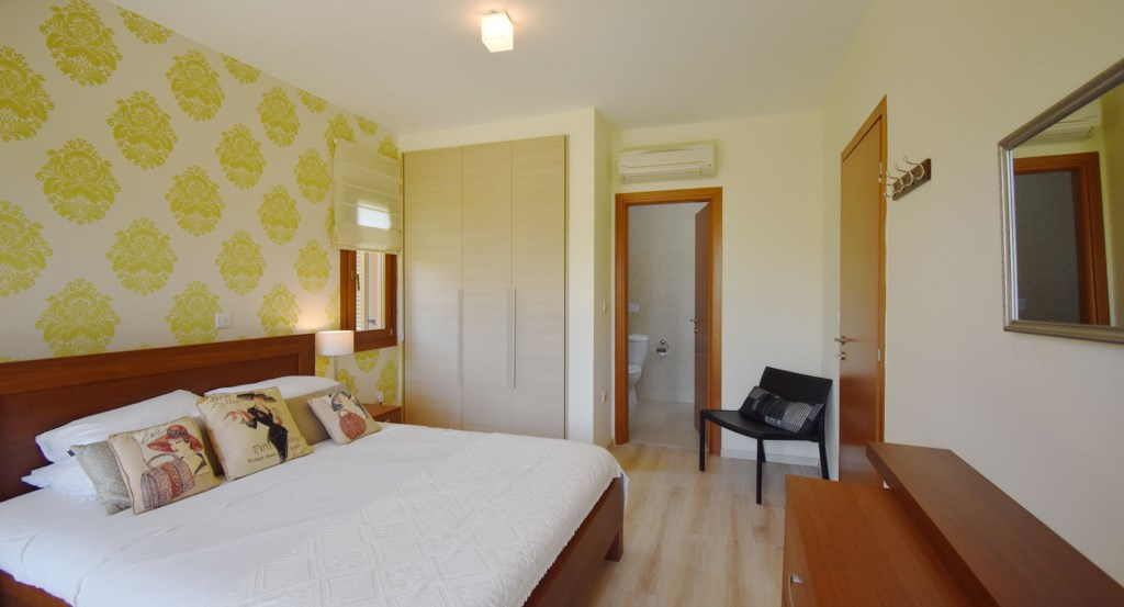 Apartment Prometheus (CB01) 3 bedroom luxury holiday apartment on Aphrodite Hills Resort, Cyprus2.jp