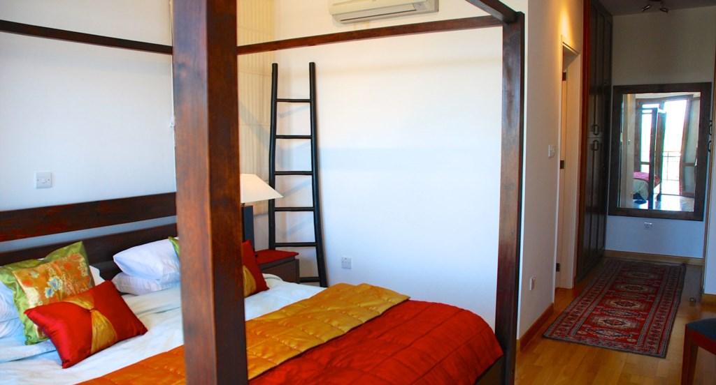 Villa 122 - Spacious master bedroom with en suite bathroom. Aphrodite Hills Resort, Cyprus.