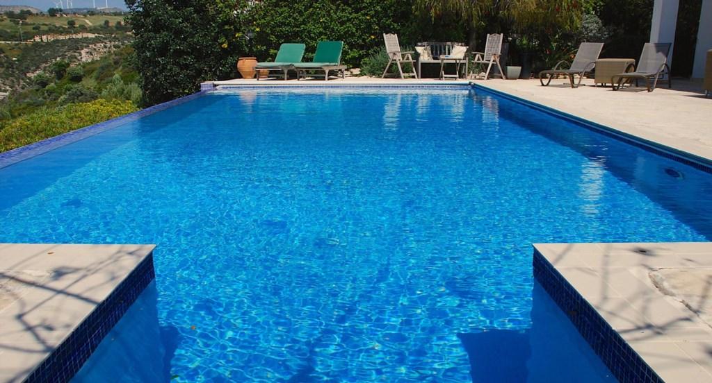 Villa 122 - Roman steps entrance to the 10x5m pool. Aphrodite Hills Resort, Cyprus.