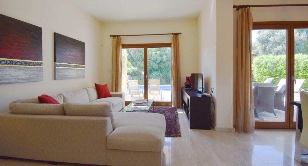 Villa Athina (HG12) - lovely 3 bedroom villa with golf views, Aphrodite Hills Resort, Cyprus2.jpg