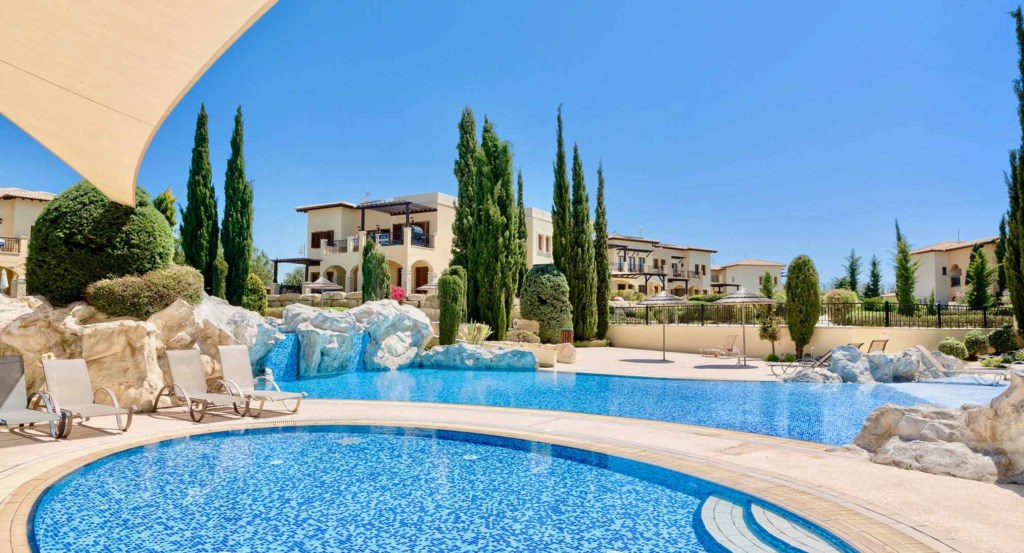 Apartment Pandora (BF02),luxury ground floor holiday apartment, communal pool, Aphrodite Hills Resor