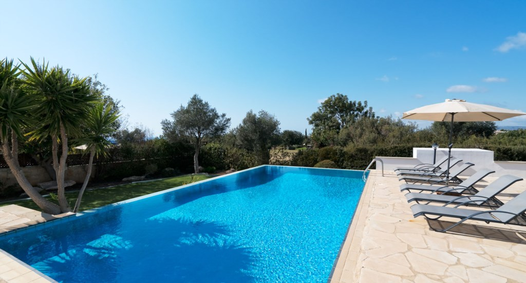 Villa 395 - Tranquil surroundings and infinity edge pool. Aphrodite Hills Resort, Cyprus.