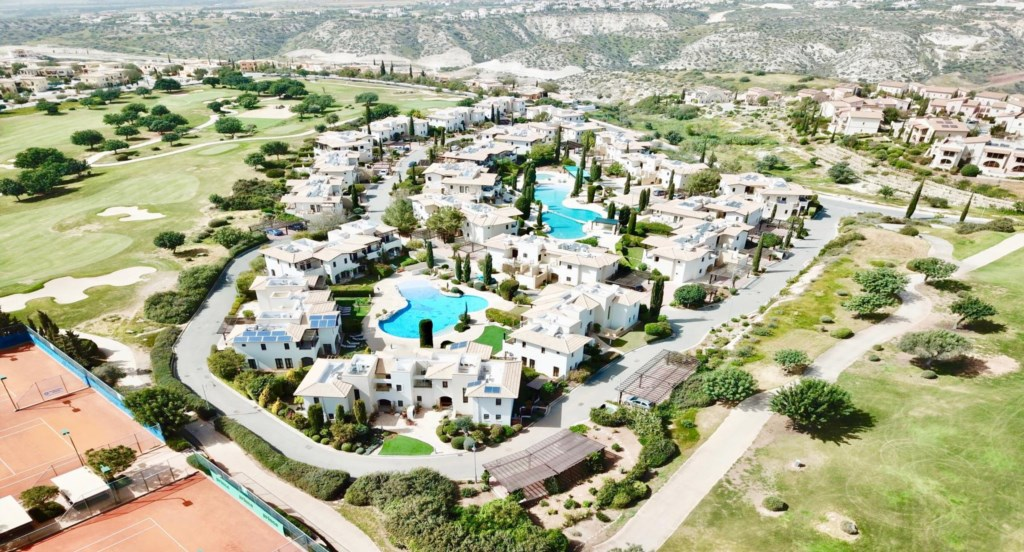 Apartment Kerylos (DF01), luxury holiday ground floor apartment communal pool, Aphrodite Hills Resor