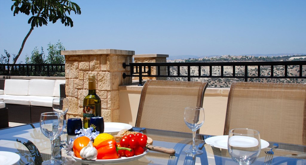 Junior Villa EZ02 - Dining in style. Aphrodite Hills