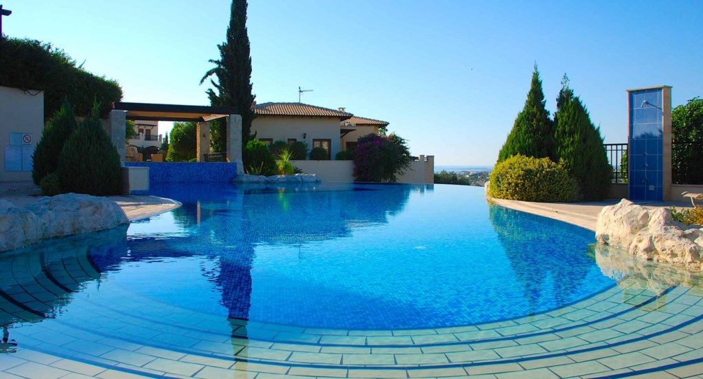 Junior Villa EZ02 - Twin room opening out to the garden. Aphrodite Hills Resort, Cyprus.