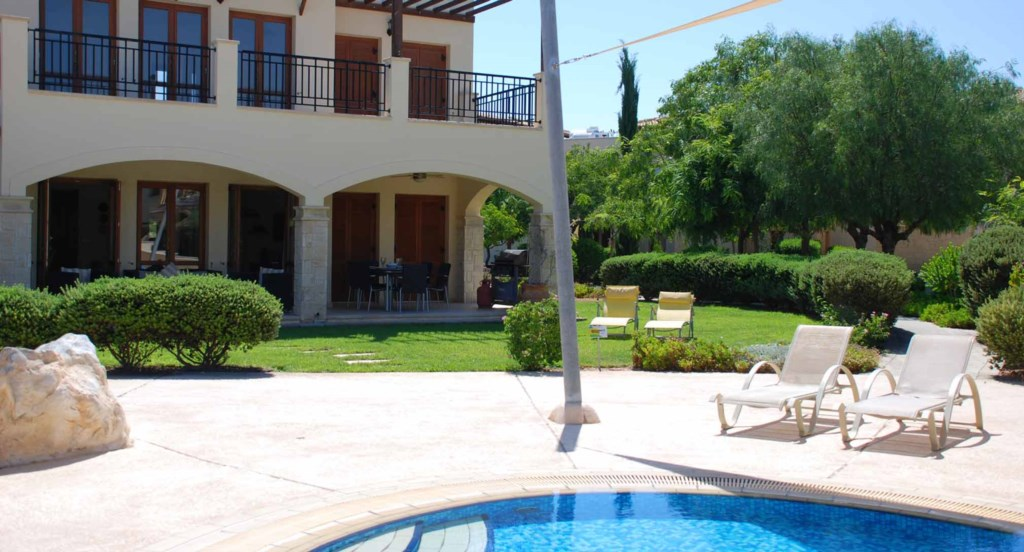 Apartment Atropos (BE01), ground floor holiday apartment communal pool, Aphrodite Hills Resort, Cypr