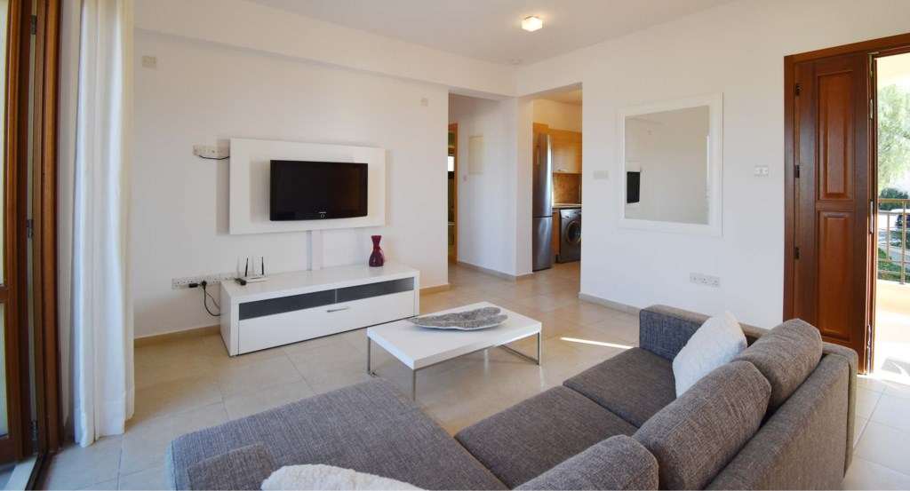 Apartment Trias (BJ12) lovely luxury one bedroom holiday apartment Aphrodite Hills Resort, Cyprus