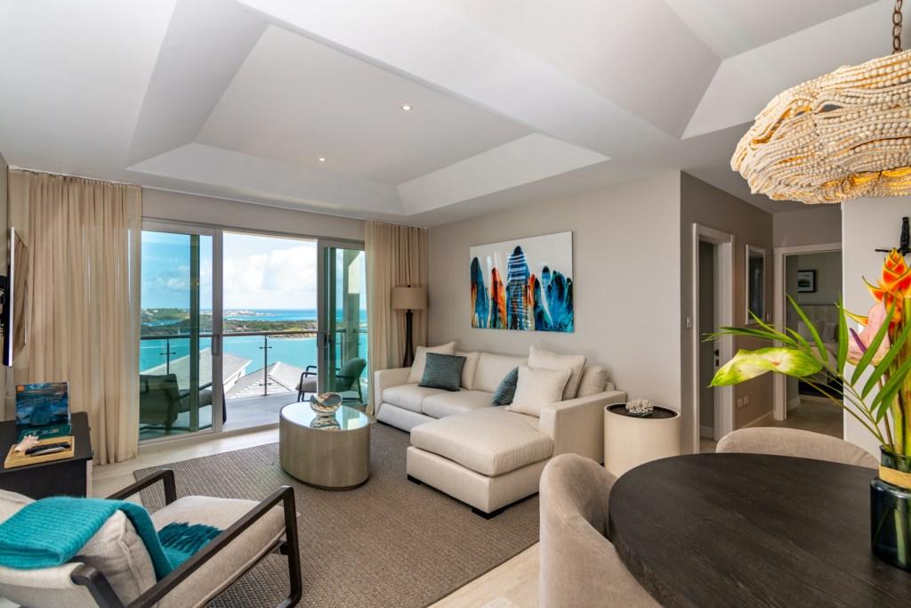 2 Bedroom Luxury Suite with Ocean and Pool Views