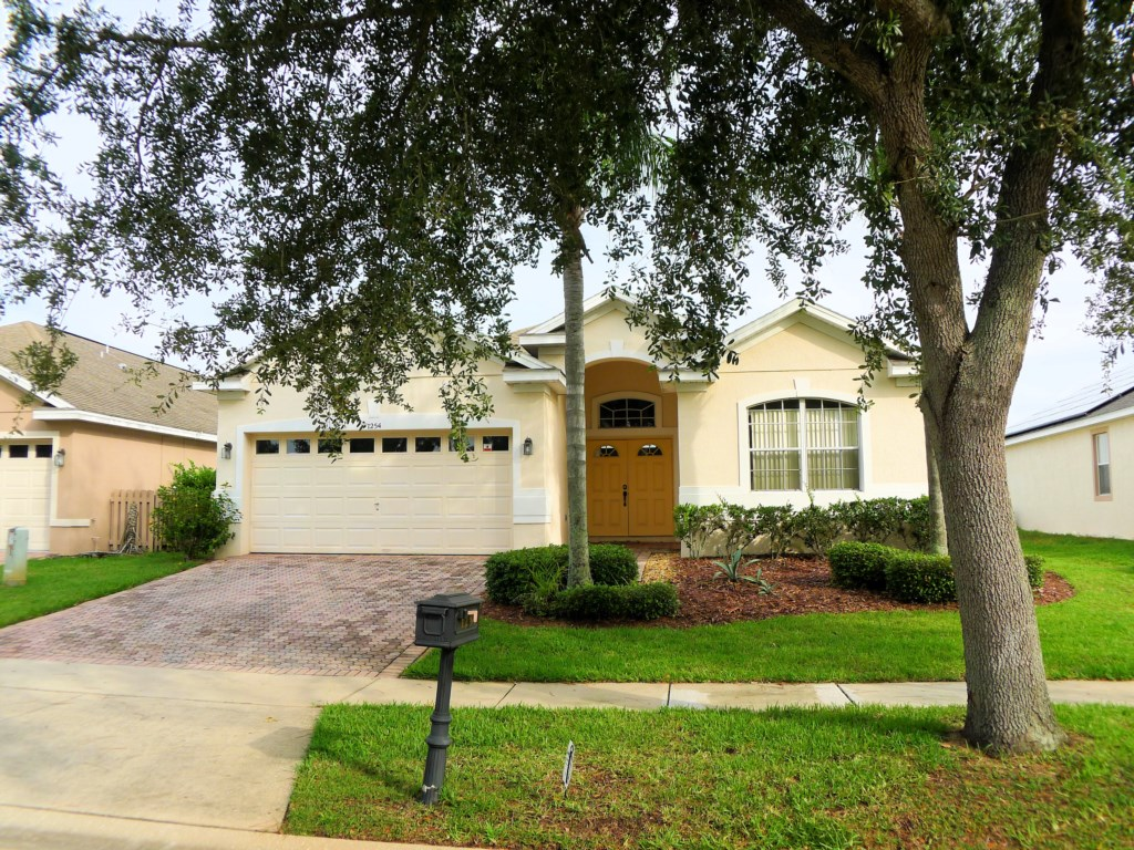 4 Bed Pool Home on Golf Community (1254)