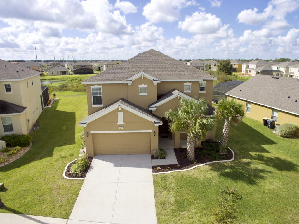 Gated - 6 Bed Pool Home on Golf Community (2276)
