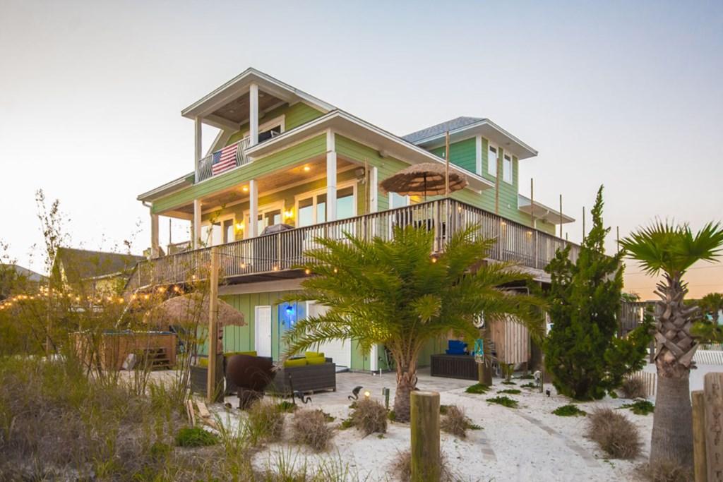 'Seas Life' Beach Home (3 Bedroom)