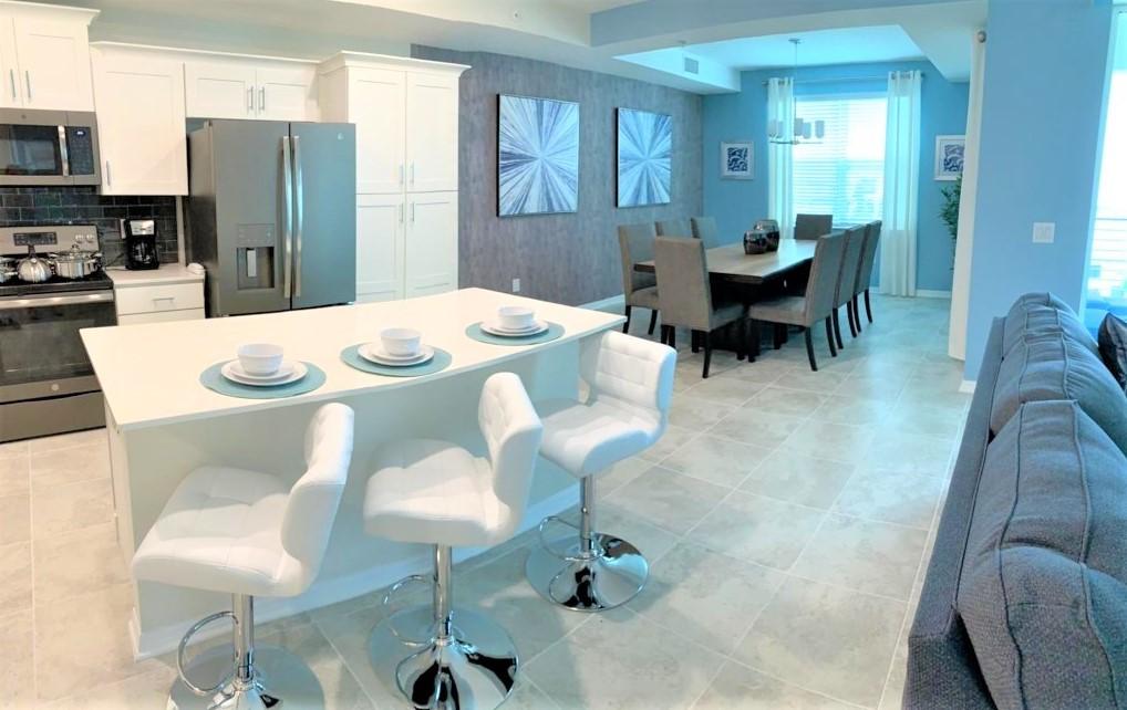 Luxury 2 Bedroom Condo Home 154