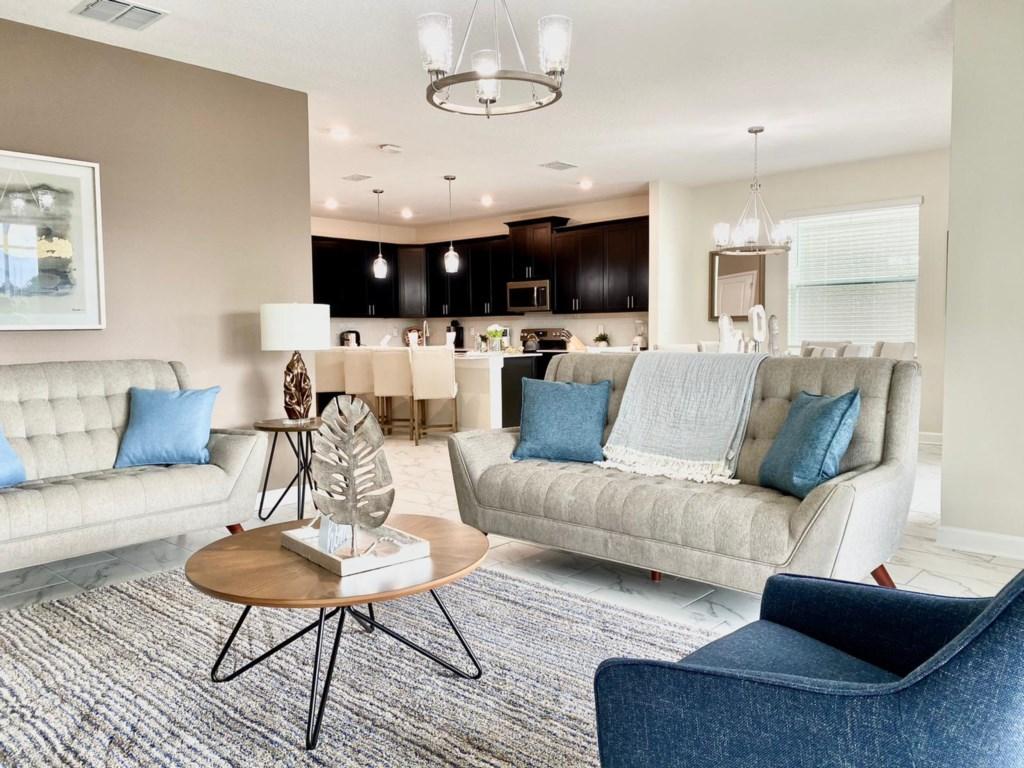 Luxury 6 Bedroom Home 202