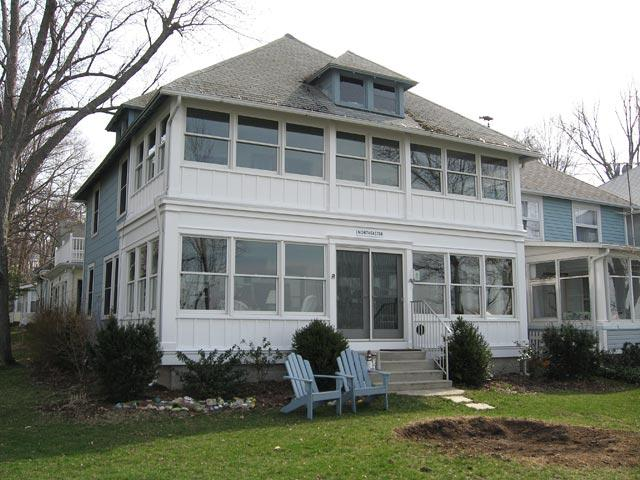 632 Lakefront Drive