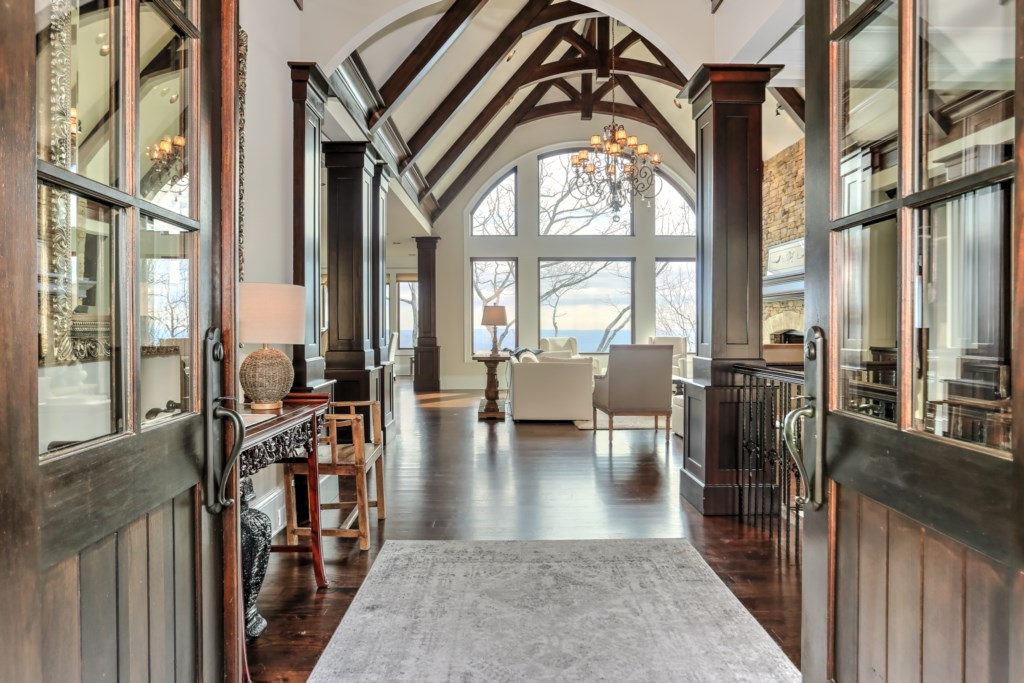 MountainView Luxury Rental Home in Big Canoe