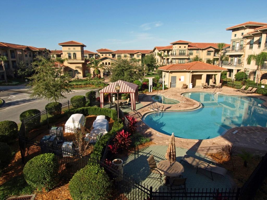 3 Bedroom Resort Condo - Gorgeous Pool (727)