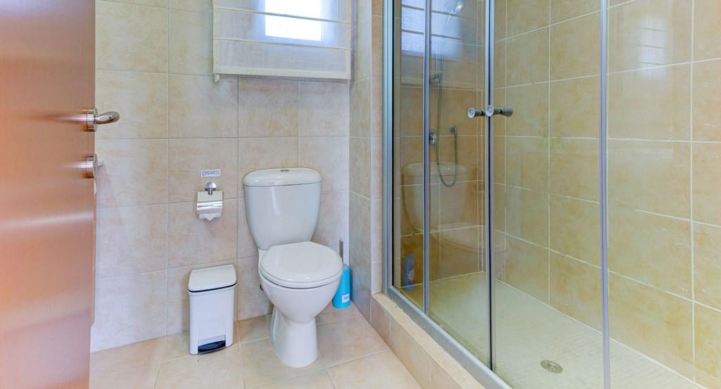 15. Luxury holiday apartment Aphrodite Hills Resort Cyprus_Master Bathroom 1.jpg