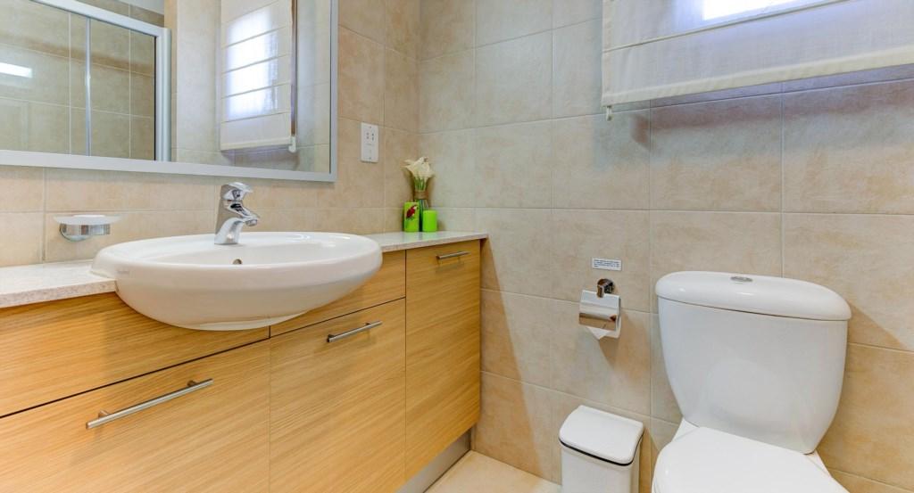 16. Luxury holiday apartment Aphrodite Hills Resort Cyprus_Master Bathroom 2.jpg