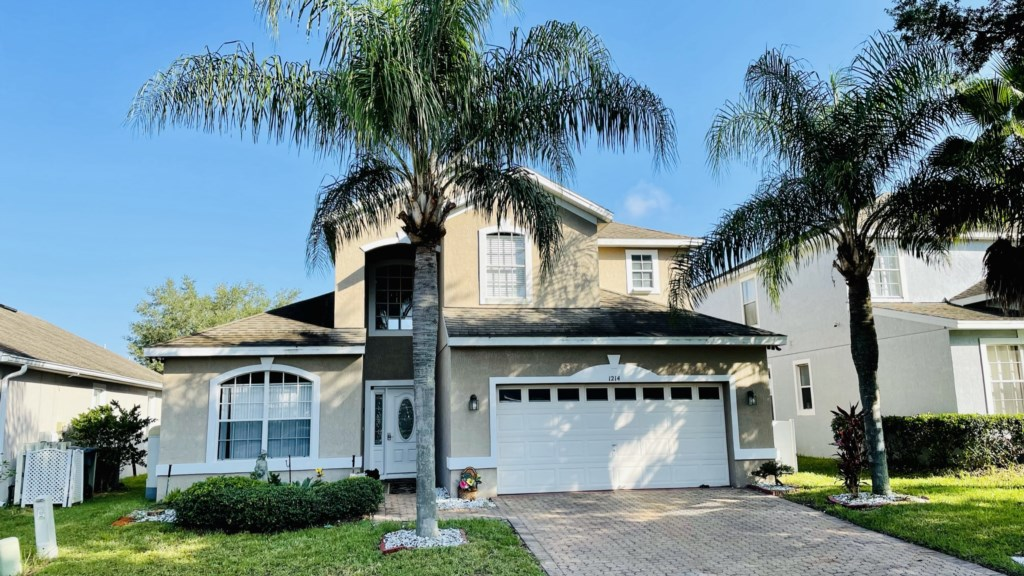 Luxury 4 Bed Pool Home - Minutes from Disney(1214)
