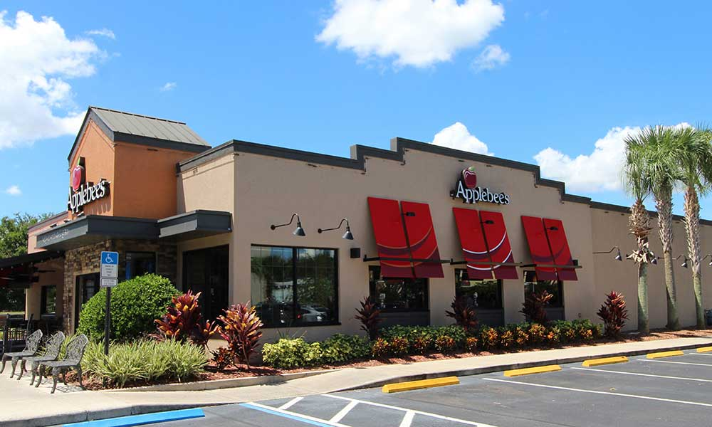 Applebees Bar and Grill